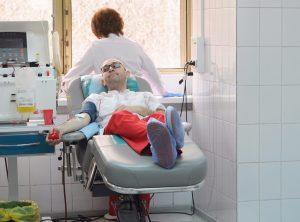 Члены Молодежной палаты района Якиманка сдали кровь в рамках Дня донора. Фото: mos.ru