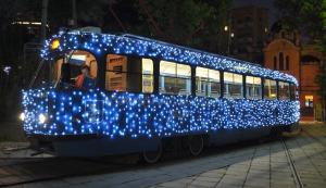 Жители столицы смогут прокатиться в праздничном трамвае в День московского транспорта. Фото: официальный сайт мэра Москвы