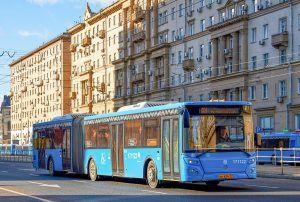 Автобусы изменят маршруты из-за подготовки в Параду Победы. Фото: сайт мэра Москвы