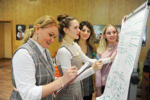 Старшеклассники школы №1799 посетят высшие учебные заведения. Фото: Светлана Колоскова, «Вечерняя Москва»