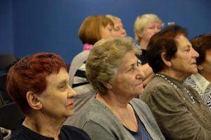 Литературный час организуют для получателей социальных услуг района. Фото: Анна Быкова