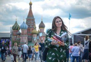 Одним из самых популярных мест для фотосъемок оказалась Красная площадь. Фото: архив, «Вечерняя Москва»