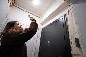 Специалисты проведут ремонт жилого дома в районе. Фото: Максим Аносов, «Вечерняя Москва»
