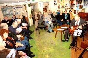 Музыкально-поэтический вечер состоялся в районном шахматном клубе. Фото предоставлено ШШК «Октябрьский»