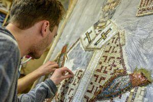 Мозаичную выставку можно будет увидеть в детской библиотеке. Фото: Пелагия Замятина, «Вечерняя Москва»