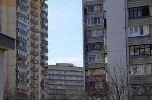Подъезды дома в Крымском тупике отремонтируют. Фото: Анна Быкова
