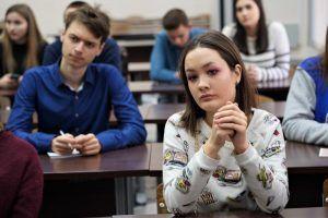 Всероссийские «Уроки мужества» проведут весной в районных школах. Фото: Денис Кондратьев