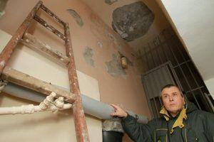 Проверки домов на соблюдение правил безопасности осуществили в районе. Фото: Наталия Нечаева, «Вечерняя Москва»