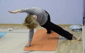 Онлайн-занятие по йоге опубликовали в социальных сетях «Музеона». Фото: Анна Быкова