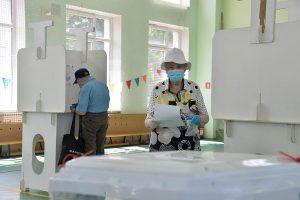 Наблюдатели отмечают максимальную открытость голосования в Москве. Фото: Пелагия Замятина, «Вечерняя Москва»