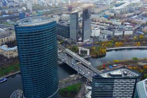 Компанию «Башня Федерация» оштрафуют за неперевод сотрудников на удаленку. Фото: Александр Кожохин, «Вечерняя Москва»