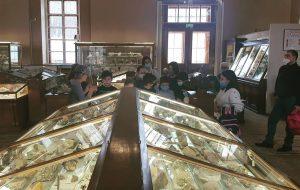 Ученики школы №627 посетили Минералогический музей. Фото с сайта школы