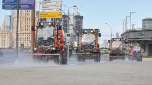 Генеральную уборку города ведут тысячи работников столичного ЖКХ. Фото: сайт мэра Москвы