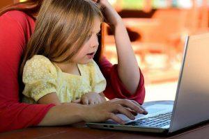 Мастер-класс по созданию куклы покажут на платформе детской библиотеки. Фото: pixabay.com
